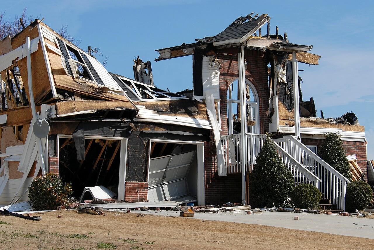 house-fire-1548280_1280 (1)